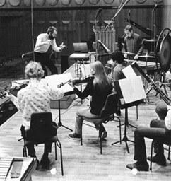 """Johannes Wallmann (Dirigent) und die """"gruppe neue musik weimar"""" im Gewandhaus Leipzig 1982"""