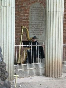 DER BLAUE KLANG - Harfe im Nymphaeum
